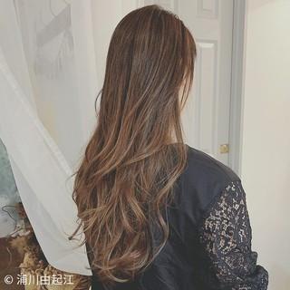 エレガント グラデーションカラー ロング ゆるふわ ヘアスタイルや髪型の写真・画像