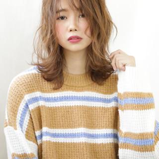 ゆるふわセット アンニュイ ミディアム ふわふわヘアアレンジ ヘアスタイルや髪型の写真・画像