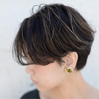 ウェーブ ストリート 外国人風 ハイライト ヘアスタイルや髪型の写真・画像 ヘアスタイルや髪型の写真・画像