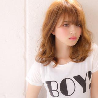 外国人風 ミディアム 夏 前髪あり ヘアスタイルや髪型の写真・画像