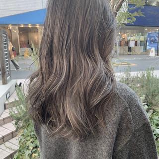 ロング 寒色 ナチュラル ビーチガール ヘアスタイルや髪型の写真・画像