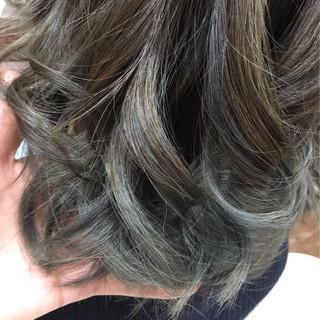 ハイライト ボブ グレージュ アッシュ ヘアスタイルや髪型の写真・画像