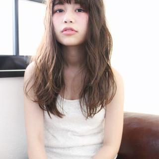 ブラウン 外国人風 ロング グラデーションカラー ヘアスタイルや髪型の写真・画像