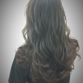 ロング くせ毛風 ストリート オリーブアッシュ ヘアスタイルや髪型の写真・画像 ヘアスタイルや髪型の写真・画像
