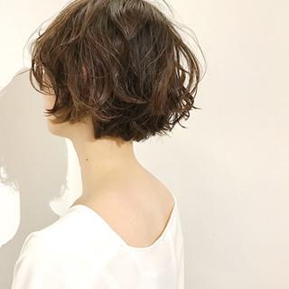 ショートボブ デート ショート ナチュラル ヘアスタイルや髪型の写真・画像