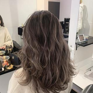 ロング エレガント ハイライト バレイヤージュ ヘアスタイルや髪型の写真・画像