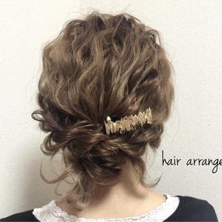 波ウェーブ ヘアアレンジ 愛され フェミニン ヘアスタイルや髪型の写真・画像