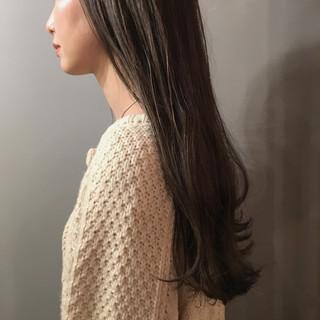 外国人風カラー ロング スモーキーカラー おしゃれ ヘアスタイルや髪型の写真・画像