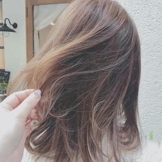 外国人風 インナーカラー ハイライト 春 ヘアスタイルや髪型の写真・画像