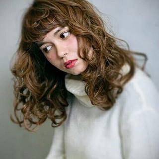 フェミニン ロング パーマ 外国人風 ヘアスタイルや髪型の写真・画像