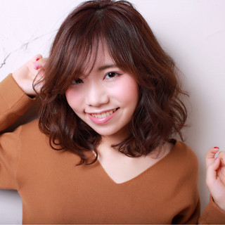 デート 冬 ミディアム 大人女子 ヘアスタイルや髪型の写真・画像