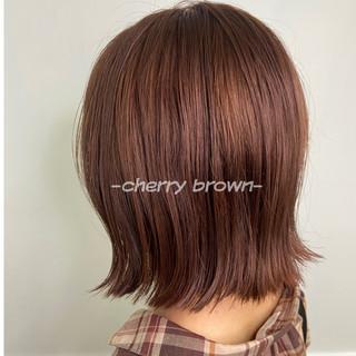 ショートヘア ミディアム インナーカラー ピンクブラウン ヘアスタイルや髪型の写真・画像