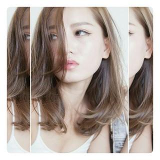 アッシュ ハイライト ストリート セミロング ヘアスタイルや髪型の写真・画像