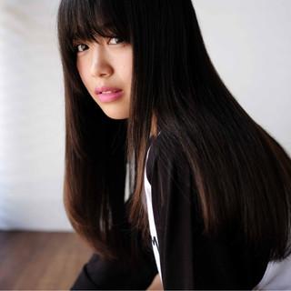 ロング ナチュラル 黒髪 冬 ヘアスタイルや髪型の写真・画像