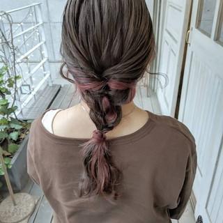 セミロング インナーピンク ピンク インナーカラー ヘアスタイルや髪型の写真・画像