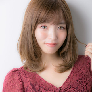 大人かわいい ミディアム デジタルパーマ フェミニン ヘアスタイルや髪型の写真・画像