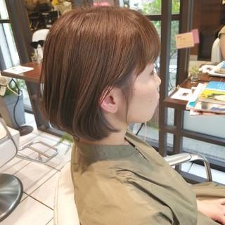 夏 インナーカラー オフィス ブリーチ ヘアスタイルや髪型の写真・画像