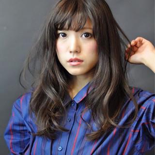 フェミニン 外国人風カラー 大人かわいい アッシュ ヘアスタイルや髪型の写真・画像 ヘアスタイルや髪型の写真・画像