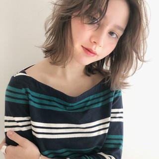 ミディアム ガーリー ロブ ボブ ヘアスタイルや髪型の写真・画像
