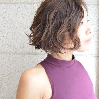 暗髪 外国人風 OL パーマ ヘアスタイルや髪型の写真・画像