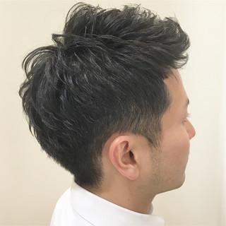 アップバング ショート 刈り上げ ツーブロック ヘアスタイルや髪型の写真・画像
