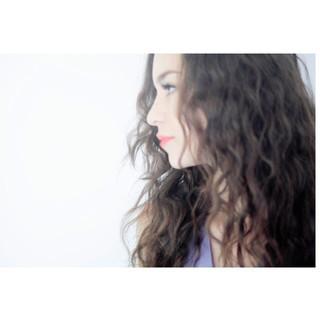 ヘアアレンジ 波ウェーブ モード ロング ヘアスタイルや髪型の写真・画像 ヘアスタイルや髪型の写真・画像