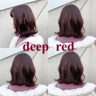 カシスレッド レッドブラウン ガーリー ボブ ヘアスタイルや髪型の写真・画像