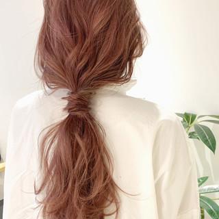 ベージュ ピンクベージュ ポニーテールアレンジ ヘアアレンジ ヘアスタイルや髪型の写真・画像