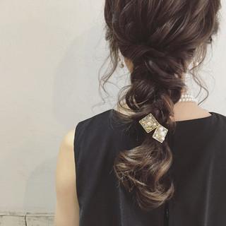 結婚式 セミロング ゆるふわ 編み込み ヘアスタイルや髪型の写真・画像