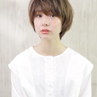 ショートボブ ウルフカット ショート 小顔ショート ヘアスタイルや髪型の写真・画像