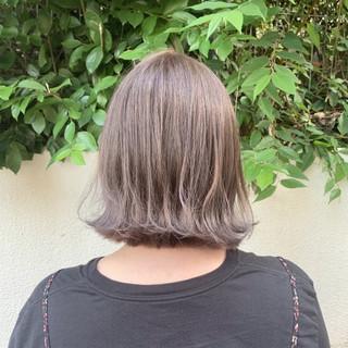 グレージュ モテボブ ナチュラル 外ハネボブ ヘアスタイルや髪型の写真・画像