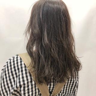 パーマ ナチュラル デート ミディアム ヘアスタイルや髪型の写真・画像