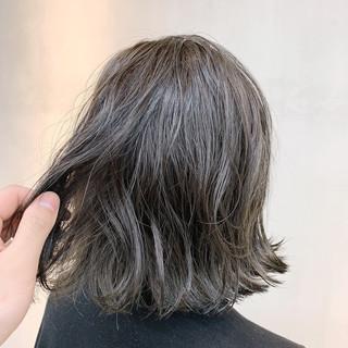 外国人風カラー ナチュラル グレージュ グラデーションカラー ヘアスタイルや髪型の写真・画像 ヘアスタイルや髪型の写真・画像