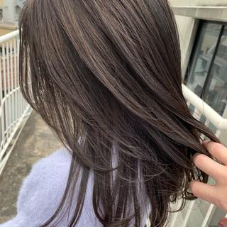 セミロング アンニュイ レイヤーカット 暗髪 ヘアスタイルや髪型の写真・画像 ヘアスタイルや髪型の写真・画像