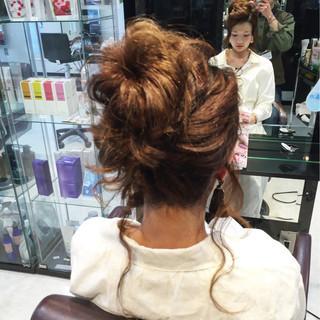 お団子 波ウェーブ ゆるふわ ヘアアレンジ ヘアスタイルや髪型の写真・画像