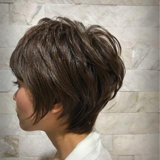ボーイッシュ かっこいい アッシュ グレージュ ヘアスタイルや髪型の写真・画像