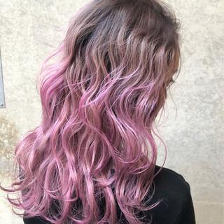 ロング ベージュ ピンク ラベンダーピンク ヘアスタイルや髪型の写真・画像