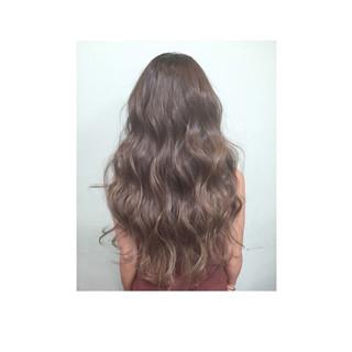 ロング ナチュラル ゆるふわ グラデーションカラー ヘアスタイルや髪型の写真・画像