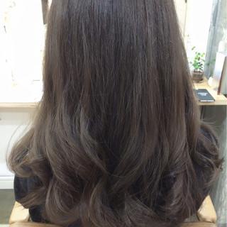 アッシュ かっこいい ロング 大人女子 ヘアスタイルや髪型の写真・画像