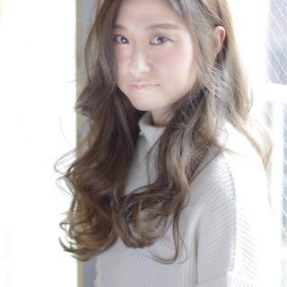 外国人風 アッシュ モテ髪 ロング ヘアスタイルや髪型の写真・画像