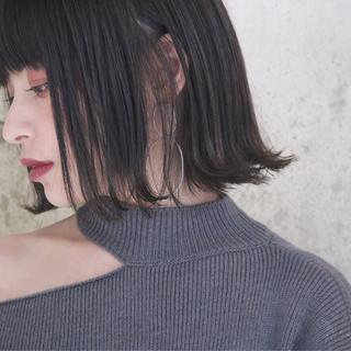 外国人風 ボブ 切りっぱなしボブ ナチュラル ヘアスタイルや髪型の写真・画像 ヘアスタイルや髪型の写真・画像