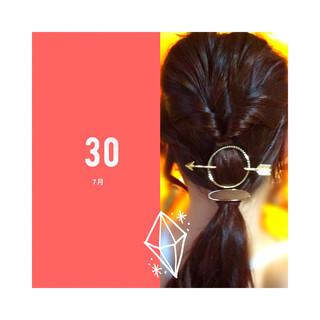 簡単ヘアアレンジ くるりんぱ フェミニン ロング ヘアスタイルや髪型の写真・画像