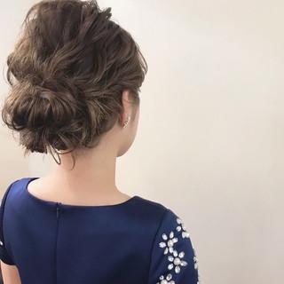 ミディアム ナチュラル ヘアアレンジ 成人式 ヘアスタイルや髪型の写真・画像