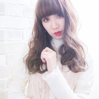 アンニュイ ゆるふわ ふわふわ セミロング ヘアスタイルや髪型の写真・画像