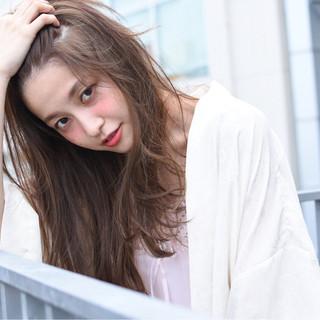 フェミニン 大人かわいい 外国人風 アッシュ ヘアスタイルや髪型の写真・画像