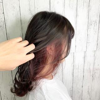 インナーカラー ショートヘア フェミニン ミディアム ヘアスタイルや髪型の写真・画像