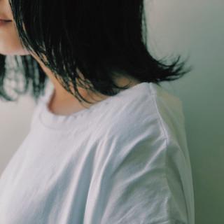 暗髪 ミディアム ウルフカット ナチュラル ヘアスタイルや髪型の写真・画像