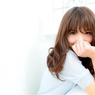 外国人風 パーマ 大人かわいい フェミニン ヘアスタイルや髪型の写真・画像