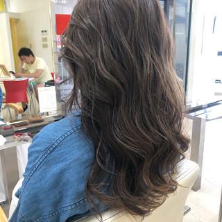パーマ グラデーションカラー ハイライト 透明感カラー ヘアスタイルや髪型の写真・画像