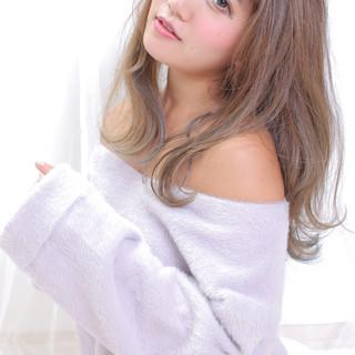 ロング 大人かわいい アンニュイほつれヘア ナチュラル ヘアスタイルや髪型の写真・画像